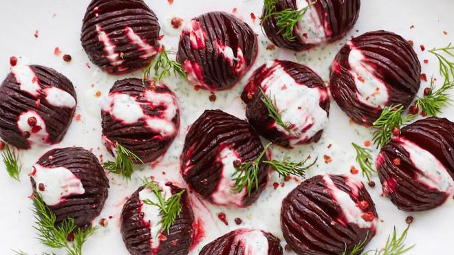http://www.smokingchimney.com/recipe-pages/images/16x9/Beetroot-Salad-for-the-Braai-800x451.jpg