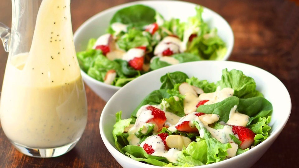 http://www.smokingchimney.com/recipe-pages/images/16x9/Creamy-Salad-Dressing-1024x683.jpg