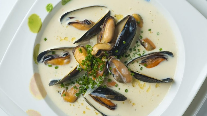 http://www.smokingchimney.com/recipe-pages/images/16x9/Mussel-and-White-Wine-Soup-1024x682.jpg