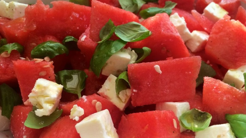 https://www.smokingchimney.com/recipe-pages/images/16x9/Watermelon-feta-and-pumpkin-seed-salad-1024x768.jpg