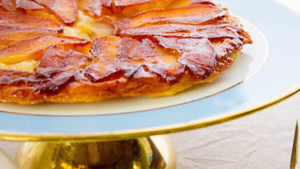 https://www.smokingchimney.com/recipe-pages/images/16x9/apple-tarte-tartin.jpg