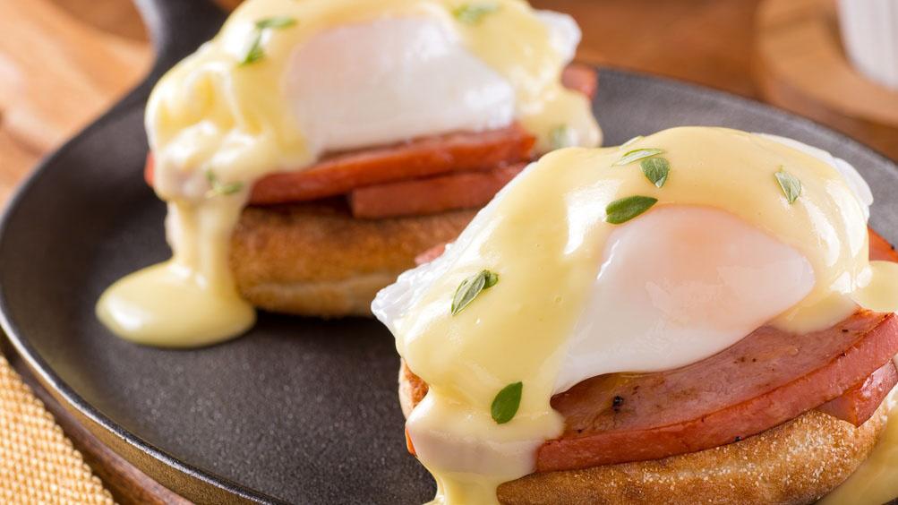 https://www.smokingchimney.com/recipe-pages/images/16x9/eggs-benedict-wtih-ham.jpg