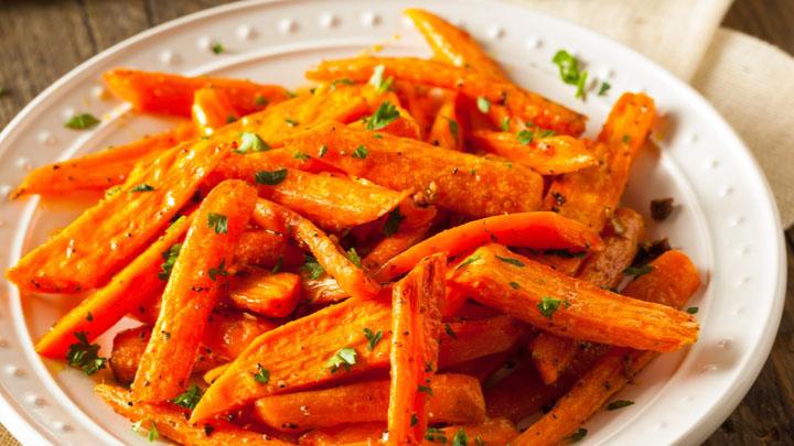 https://www.smokingchimney.com/recipe-pages/images/16x9/honey-glazed-carrots.jpg