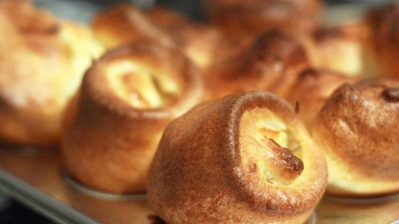https://www.smokingchimney.com/recipe-pages/images/16x9/mini-yorkshire-puddings.jpg