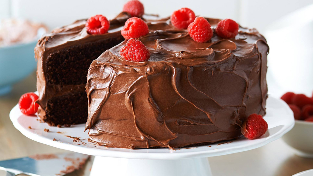https://www.smokingchimney.com/recipe-pages/images/16x9/moist-chocolate-cake.jpg