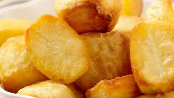 https://www.smokingchimney.com/recipe-pages/images/16x9/perfect-roast-potatoes.jpg