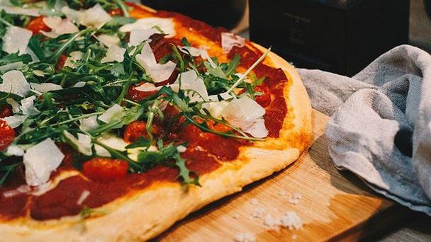 https://www.smokingchimney.com/recipe-pages/images/16x9/pizza-dough-recipe-480x400.jpg