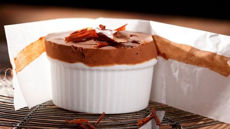 https://www.smokingchimney.com/recipe-pages/images/16x9/souffle-glace-aux-amarula.jpg