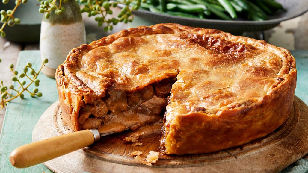 https://www.smokingchimney.com/recipe-pages/images/16x9/venison-pie.jpg